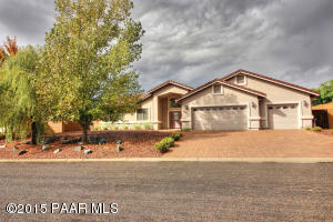 Photo of 7440 N Park Crest Lane, Prescott Valley, AZ a single family home around 2000 Sq Ft., 4 Beds, 2 Baths