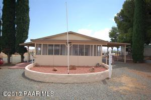Photo of 17051 E Panorama Drive, Mayer, AZ a single family manufactured home around 1300 Sq Ft., 2 Beds, 2 Baths