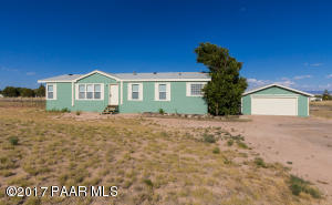 Photo of 2515 N Aztec Place, Chino Valley, AZ a single family manufactured home around 1600 Sq Ft., 3 Beds, 2 Baths