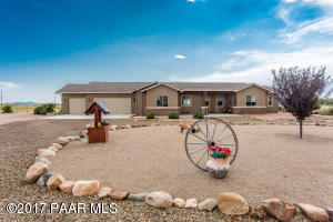 Photo of 11375 E Indigo Road, Prescott Valley, AZ a single family home around 2200 Sq Ft., 3 Beds, 2 Baths