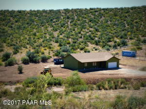 Photo of 02 E Alpine Ridge Road, Dewey, AZ a single family home around 1600 Sq Ft., 3 Beds, 2 Baths
