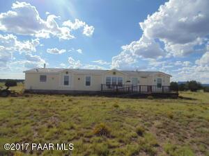 38500 N Anvil Rock Rd, Seligman, AZ 86337