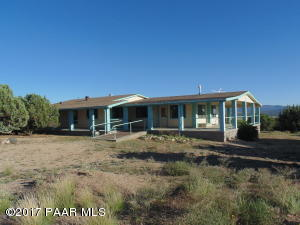 Photo of 15061 E Mountain End, Peach Springs, AZ a single family manufactured home around 1900 Sq Ft., 3 Beds, 2 Baths
