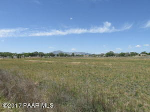 Photo of 0 W Center Street, Chino Valley, AZ a vacant land listing for 5.38 acres