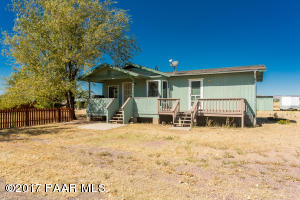 Photo of 24250 N Ravens Roost Road, Paulden, AZ a single family home around 1100 Sq Ft., 3 Beds, 2 Baths