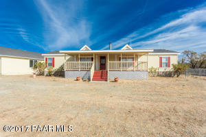 Photo of 375 N Yarber Wash Road, Dewey, AZ a single family manufactured home around 1800 Sq Ft., 3 Beds, 2 Baths