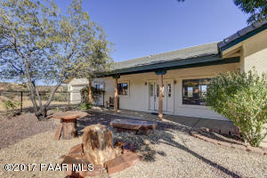 Photo of 17802 Oak Drive, Peeples Valley, AZ a single family home around 2200 Sq Ft., 3 Beds, 3 Baths