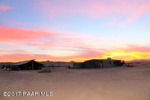 Photo of 1675 W Antelope Run Road, Paulden, AZ a single family manufactured home around 1400 Sq Ft., 2 Beds, 2 Baths