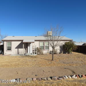 Photo of 1752 Purple Sage Drive, Chino Valley, AZ a single family manufactured home around 1200 Sq Ft., 3 Beds, 2 Baths