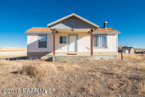 Photo of 3650 W Meadow Lake Drive, Chino Valley, AZ a single family home around 1500 Sq Ft., 3 Beds, 2 Baths