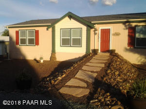 Photo of 10371 E Durham Road, Dewey, AZ a single family manufactured home around 1700 Sq Ft., 3 Beds, 2 Baths