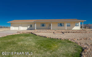 Photo of 1050 Ranch House Road, Paulden, AZ a single family home around 1300 Sq Ft., 2 Beds, 3 Baths
