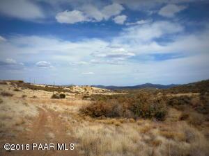 Photo of 0 E Pagosa Way, Dewey, AZ a vacant land listing for 2.08 acres
