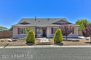 Photo of 7729 E Day Break Circle, Prescott Valley, AZ a single family home around 2000 Sq Ft., 3 Beds, 2 Baths