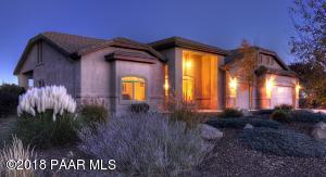 Beautifully Upgraded Pinon Oaks Home!