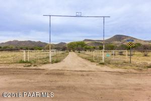 4610 Old Skull Valley Road, Skull Valley, AZ 86338