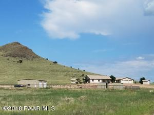 Beautiful equestrian estate nestled on 15 acres...