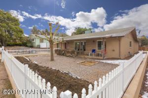 208 Robinson Drive, Prescott, AZ 86303