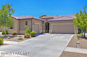 with 3 Car Garage & Concrete Tiled Roof!