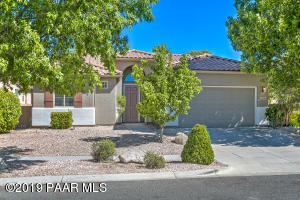 StoneRidge Golf Community Home with BRAND NEW Interior & Exterior Paint, Brand New Granite & is Move In Ready!