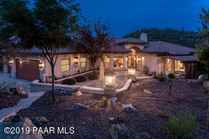 Custom Build ~ 3,936 SF ~ 2004 ~ Very Private ~ VIEWS!!