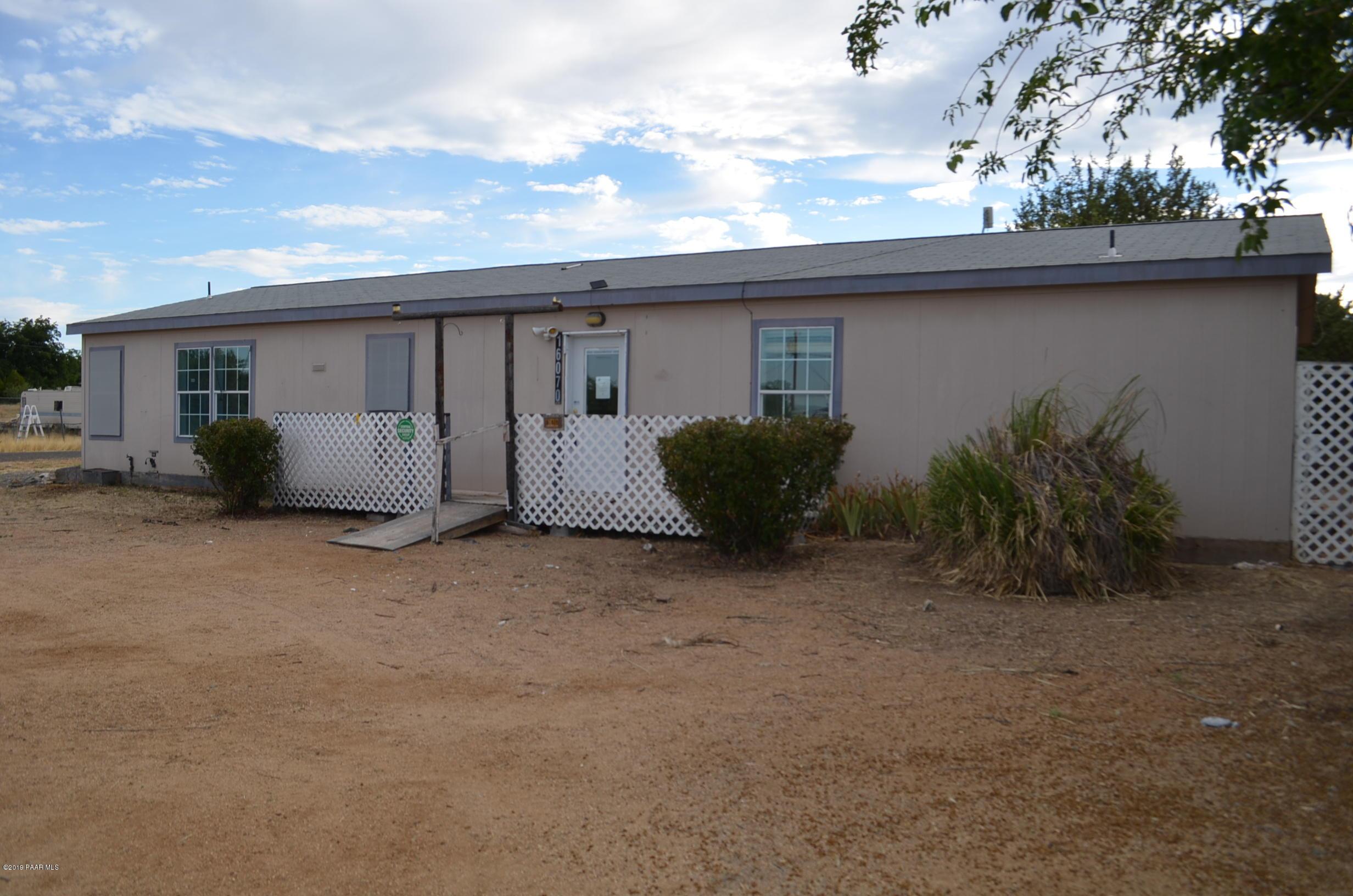Photo of 16070 Apache, Mayer, AZ 86333
