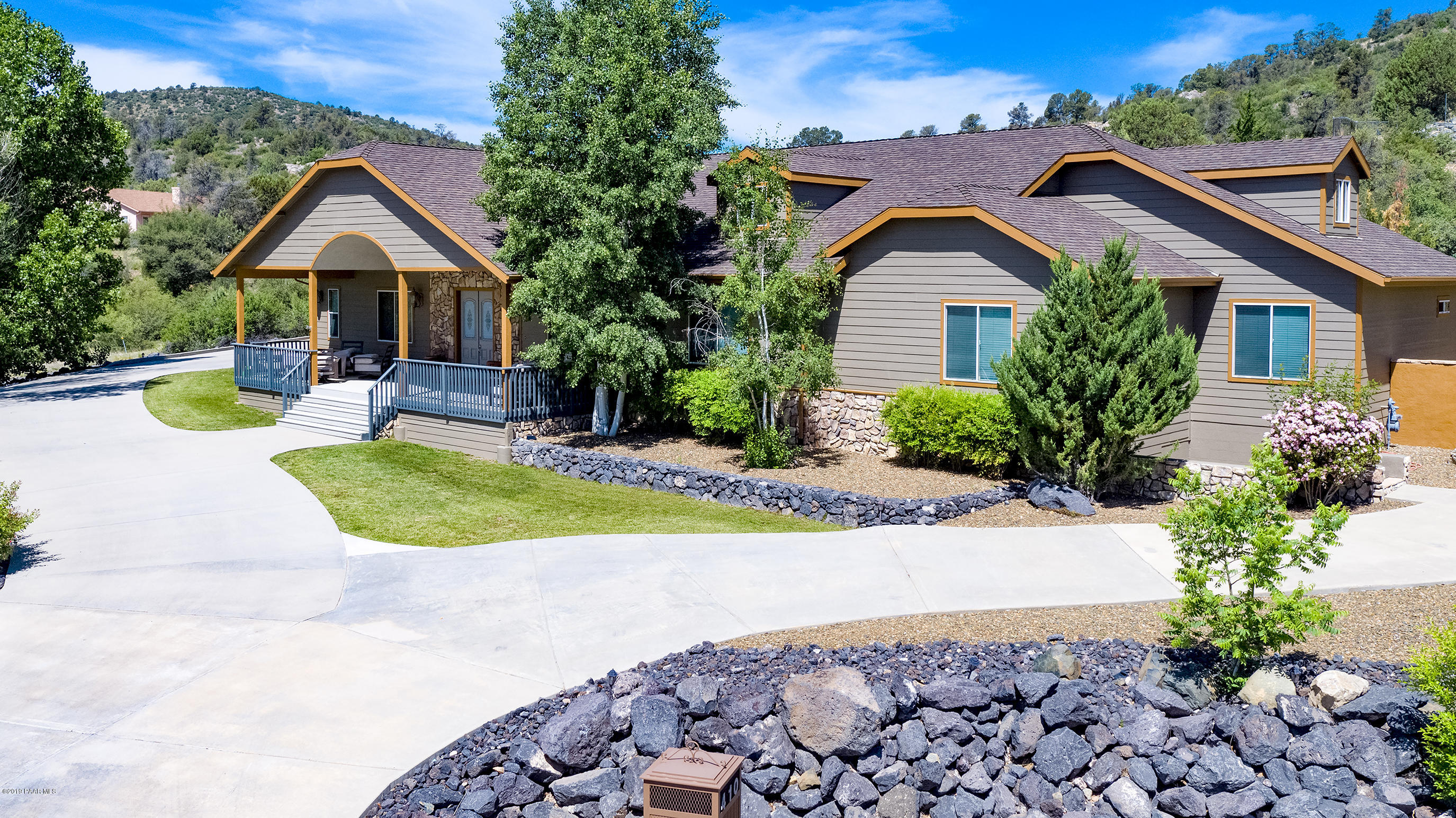 Photo of 410 Lynx Creek, Prescott, AZ 86303