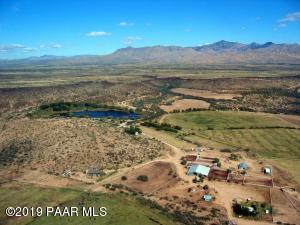 27780 W O X Ranch Road, Congress, AZ 85332