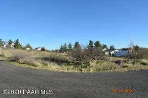 17613 E Bluejay Drive, Mayer, AZ 86333