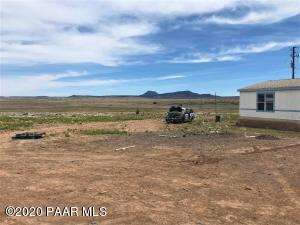 160 Williamson Valley Road, Seligman, AZ 86337