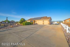 1079 Surrey Circle, Chino Valley, AZ 86323