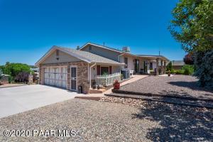 585 N Apache Drive, Dewey-Humboldt, AZ 86327