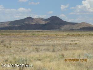 7660 E Kimberlite Lane, Prescott Valley, AZ 86314