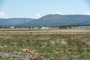 259xx N Feather Mountain Road, Paulden, AZ 86334