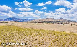 1297 S Table Mountain Road, Chino Valley, AZ 86323