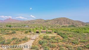 9425 Kirkland Valley Road, Kirkland, AZ 86338
