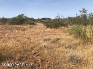 19741 E Cactus Wren Drive, Cordes Lakes, AZ 86333