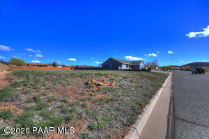 8705 N Roughrider Road, Prescott Valley, AZ 86315