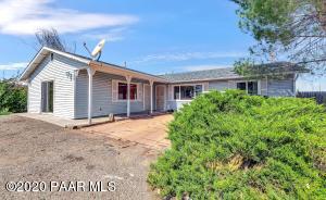 8190 E Loos Drive, Prescott Valley, AZ 86314