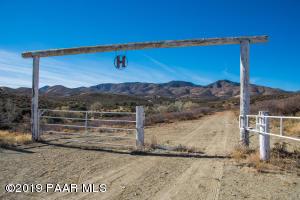 10415 E Prescott Dells Road, Dewey-Humboldt, AZ 86327