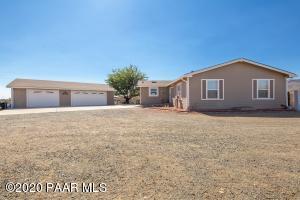 765 S Windsong Way, Dewey-Humboldt, AZ 86327
