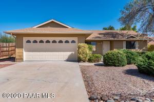 1077 N Cottonwood Spring Drive, Dewey-Humboldt, AZ 86327
