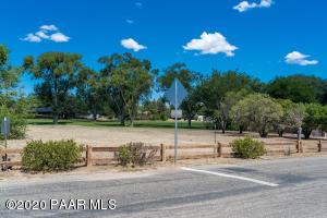 2 Perkins Drive, Prescott, AZ 86301