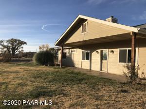 2410 S Peavine Road, Skull Valley, AZ 86338