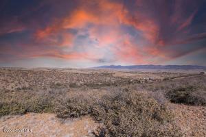 0 Charles Way, Dewey-Humboldt, AZ 86327