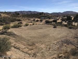 18170 S Henry Coe Road, Peeples Valley, AZ 86332