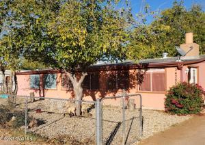34385 S K Field Road, Black Canyon City, AZ 85324
