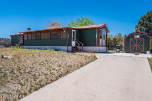 18388 S Frontier Road, Peeples Valley, AZ 86332