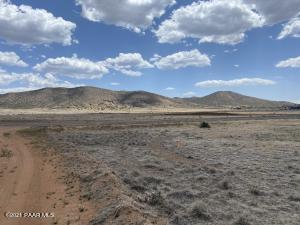 10211 E Silent River Road, Prescott Valley, AZ 86314