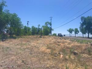 47009 N 4th Street, Ash Fork, AZ 86320